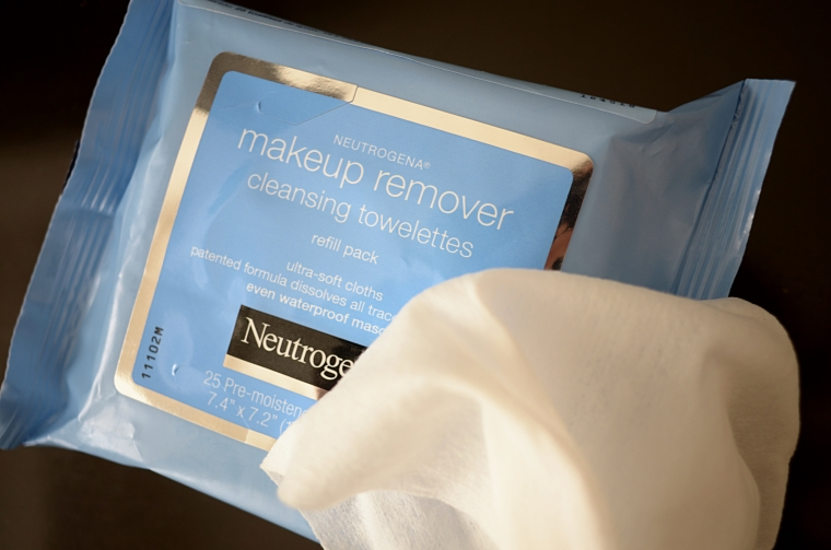 Neutrogena Cleansing Wipes