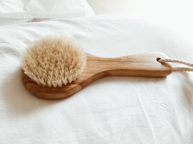 """Cepillado en seco o """"Dry Brushing"""", beneficios y como hacerlo"""