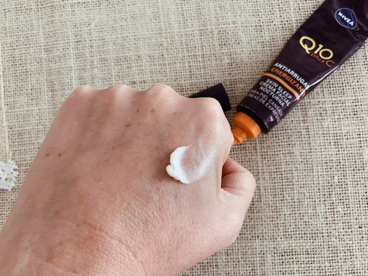 Nivea Q10 Plus C Skin Sleep